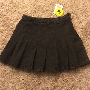 Forever 21 pleated black skirt